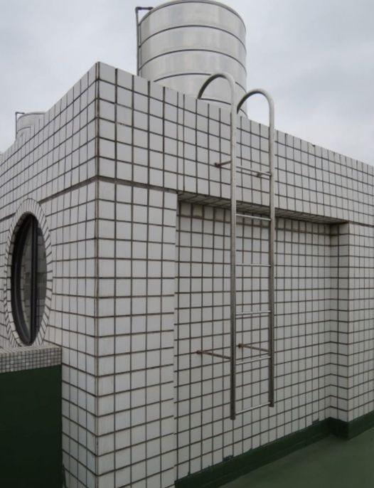 鄰居「第一次停水就把水塔儲水用光」,甚至還上門求助想借浴室,讓原PO傻眼表示「我該把自家浴室借他們全家人洗澡嗎」? 圖/截自臉書「我是頭份人」
