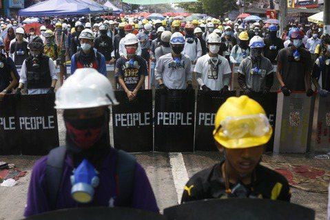 林冠廷/網路宵禁、封鎖社群媒體:軍政府如何將手伸入緬甸網路?