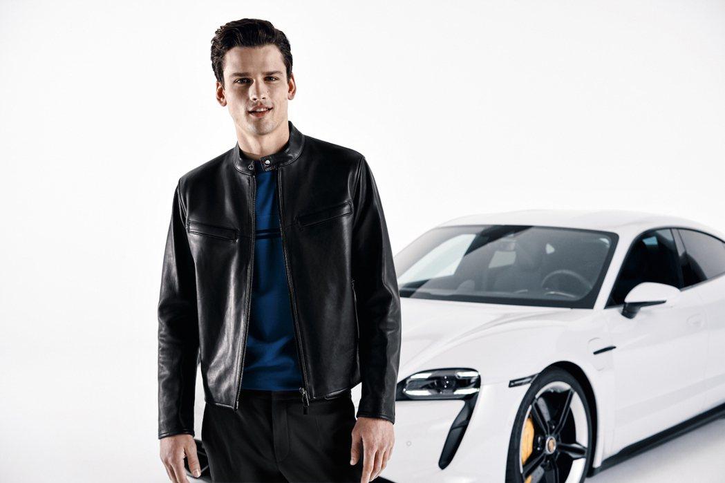 白色保時捷Taycan Turbo S跑車置於白色背景,汽車與服裝的輪廓和細節皆...