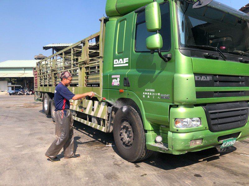 防非洲豬瘟入侵 ,台南市動保處籲豬農落實防疫。圖 /台南市動保處提供