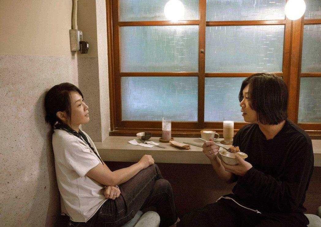 瑪莎(右)看透劉若英對生活、作品極其要求。圖/相信音樂提供