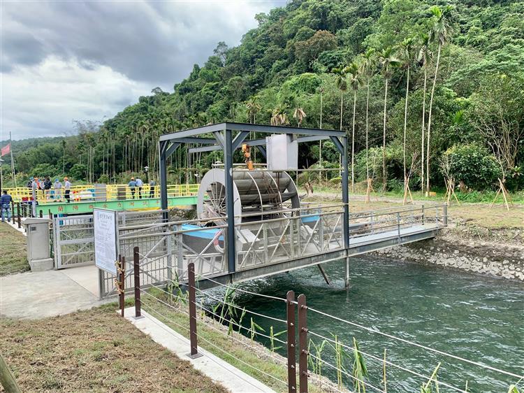 台電今(7)日正式啟用於蘭陽電廠打造的全國首座微水力發電測試平台,台電表示,這個...