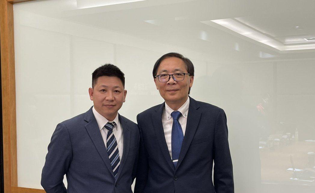 牧德董事長汪光夏(右)及總經理陳復生。記者尹慧中/攝影