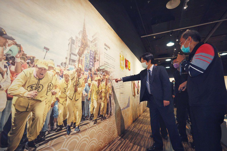 中華文化總會1月剛結束白沙屯媽祖進香文化展(圖),又要協助4月9日起大甲鎮瀾宮媽祖遶境相關活動。圖/取自中華文化總會臉書