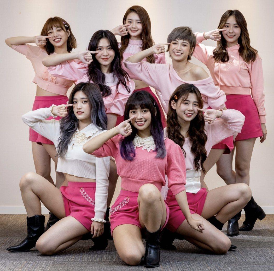 8人女團PINK FUN被老闆詹仁雄下「禁愛令」。記者沈昱嘉/攝影