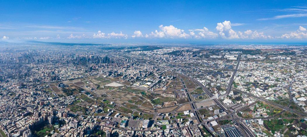 台中市今天公開標售11筆土地,面積共5.51公頃,總金額達206億6905萬79...