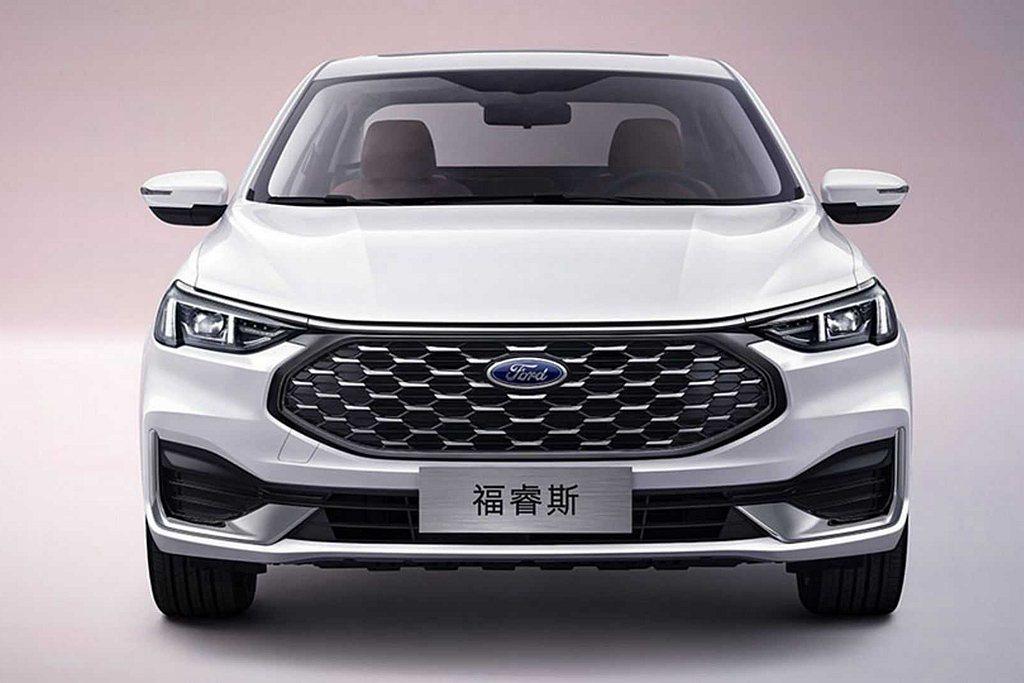 中國市場反應熱絡的福特福睿斯,現行款雖然曾導入台灣國產銷售,但已經在去年停產。 ...