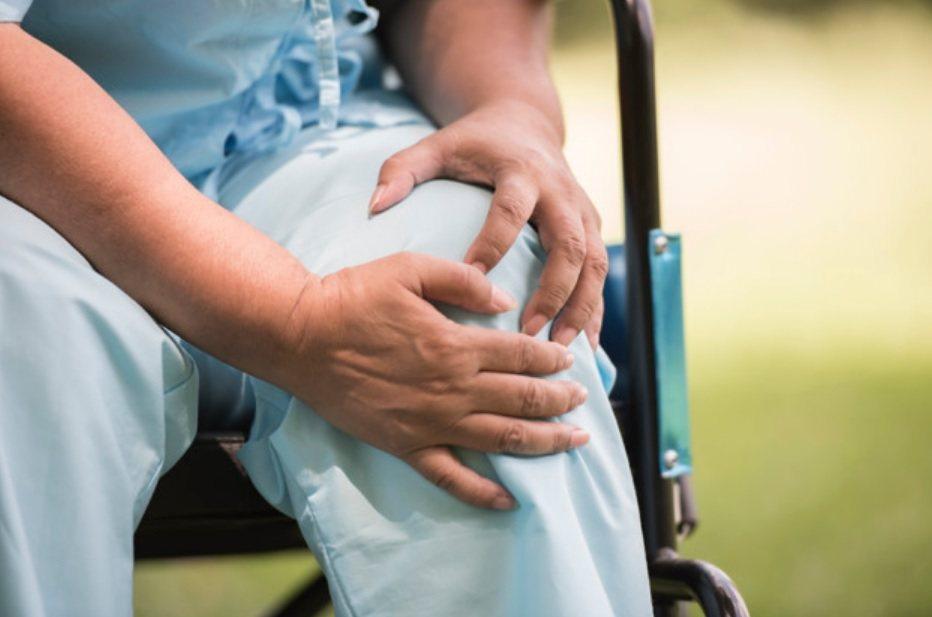 在台灣膝蓋退化性關節炎的盛行率約15%,女性多於男性,隨著年紀越大,盛行率越高。...