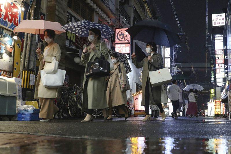日本NHK報導,大阪府8日新增905例新冠肺炎確診,已是連續第三天創該府新高紀錄。 美聯社