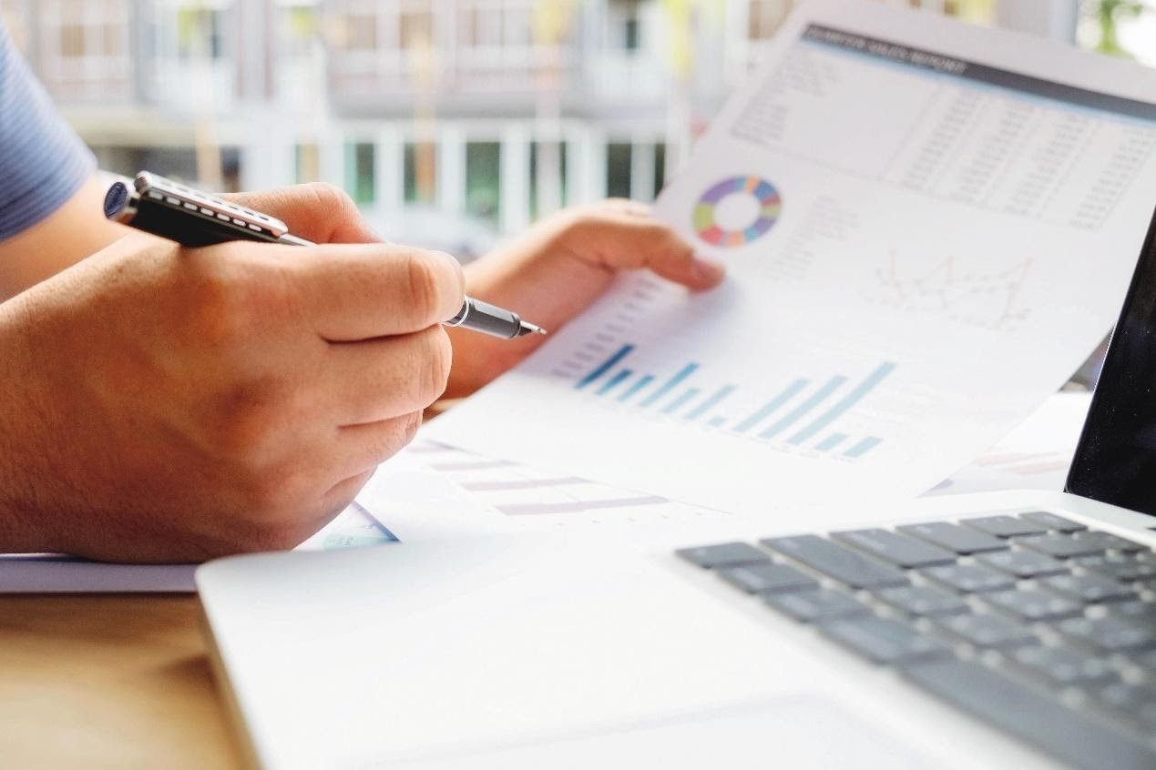 基金因投資標的配置,會有程度不一的報酬與風險,可依人生階段不同的理財需求選擇基金...