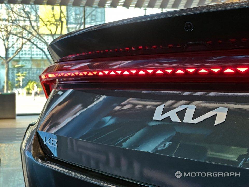Kia K8是韓國市場首部採用新廠徽的新車。 摘自Motorgraph
