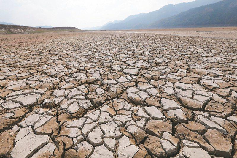 久旱不雨則旱,氾濫則澇,人類亙古以來即因水的有無與多少苦惱不已。聯合報系資料照