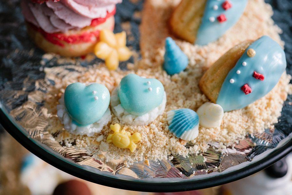 甜點控絕不能錯過!「湛藍海洋瑪德蓮」,以法式手法製作,淡藍色的貝殼外觀,要洗版網...