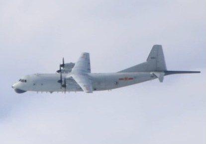 空軍今天發布共機動態,共軍2架運8反潛機(如圖、同型機)侵犯台灣西南防空識別區(ADIZ),但未侵犯台灣東南方、也未逾越台灣海峽中線。圖/國防部