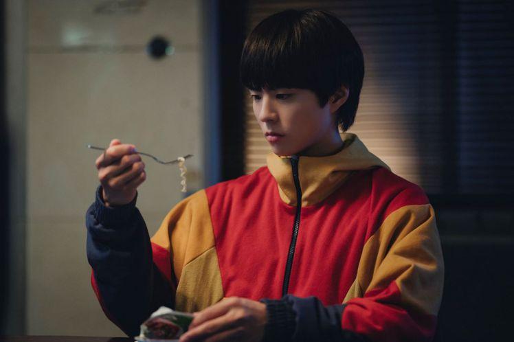 朴寶劍飾演永生人。圖/CATCHPLAY提供