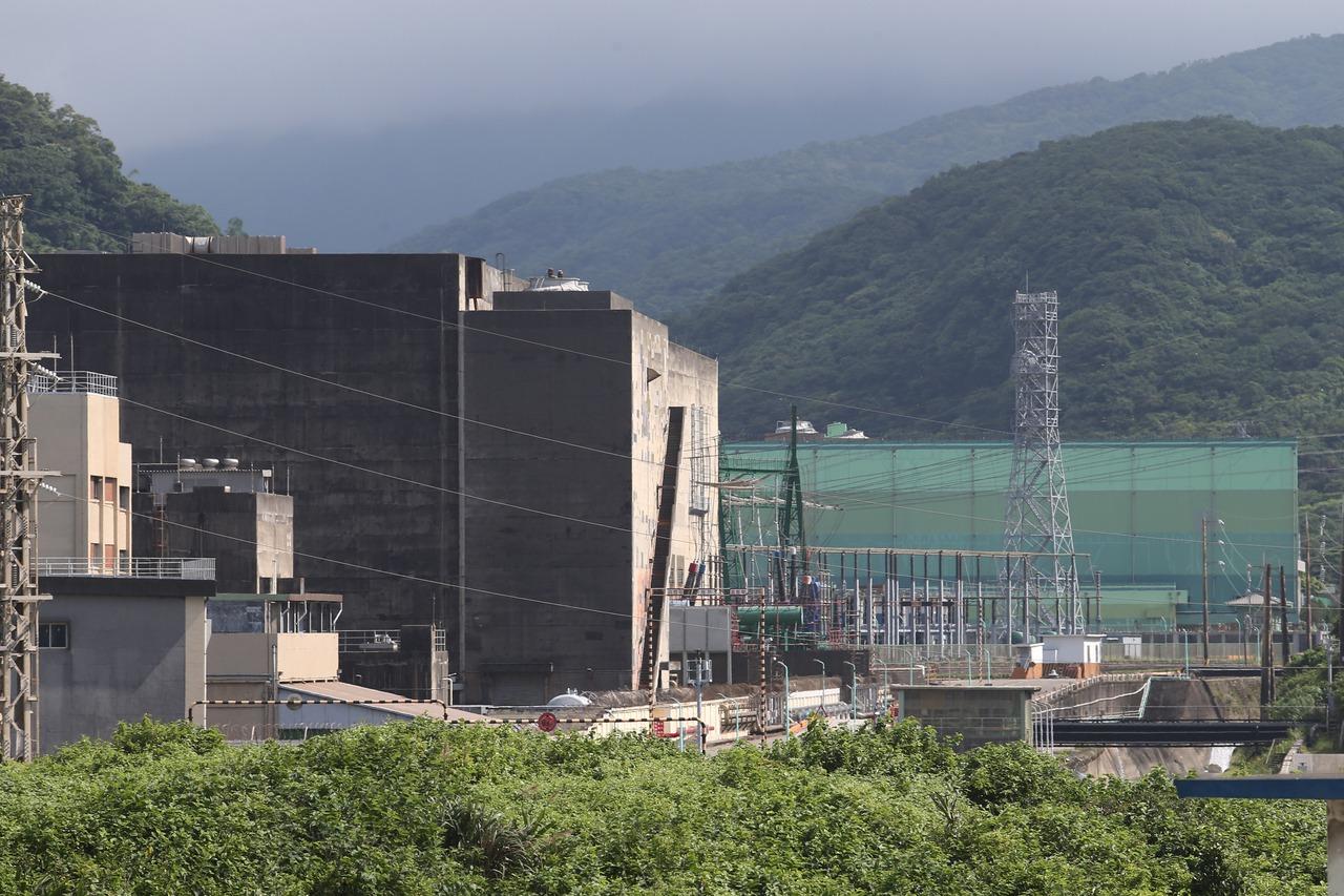 【核災驚魂/下】核一廠未完全停機就進行高風險開挖 原能會在急什麼?