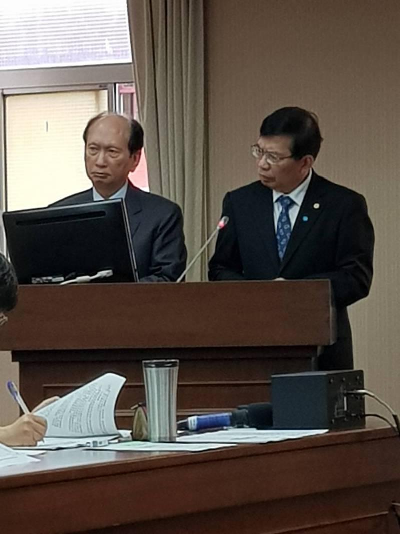 公共工程委員會主委吳澤成(左),交通部政務次長王國材(右)。記者彭宣雅/攝影
