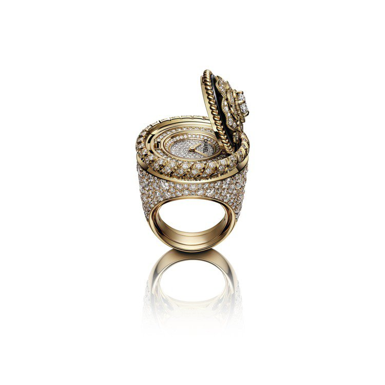 Mademoiselle Privé 鈕扣戒指錶山茶花鈕扣,385萬元,限量發...