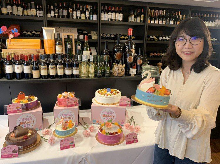 85ºC推出6款母親節主題蛋糕,除了口味不同,造型也吸睛。圖/85ºC提供