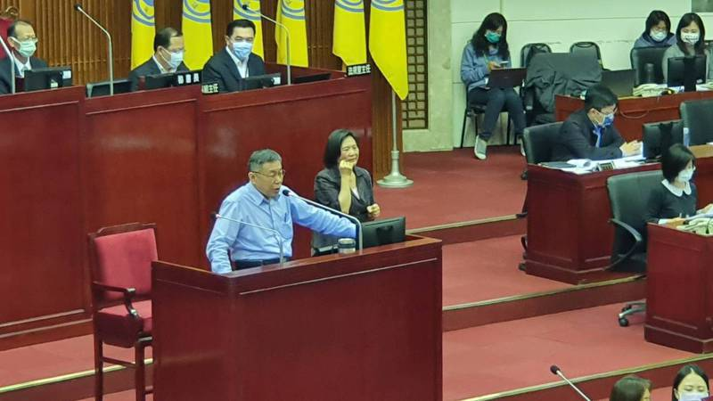 台北市長柯文哲下午至議會進行施政報告並備詢。記者楊正海/攝影