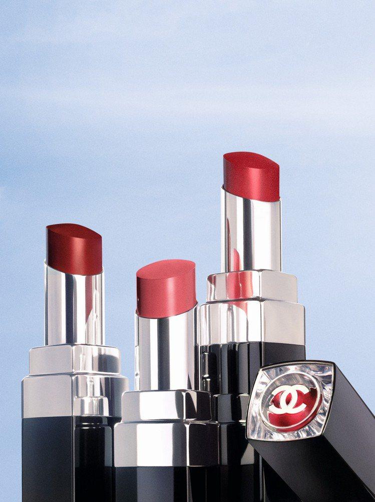 香奈兒推出全新COCO星綻唇膏,兼具保濕與持色。圖/香奈兒提供