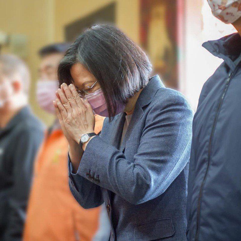 今天是太魯閣號事故第七天,蔡英文總統今天在臉書上再度重申台鐵改革。圖/取自蔡英文臉書