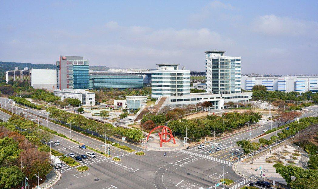 中科園區成立迄今已引進222家高科技廠商,就業人數5萬1,827人。記者宋健生/...