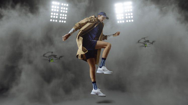 LACOSTE推出AG-LT21 Ultra高性能專業網球鞋履白色款。圖/LAC...