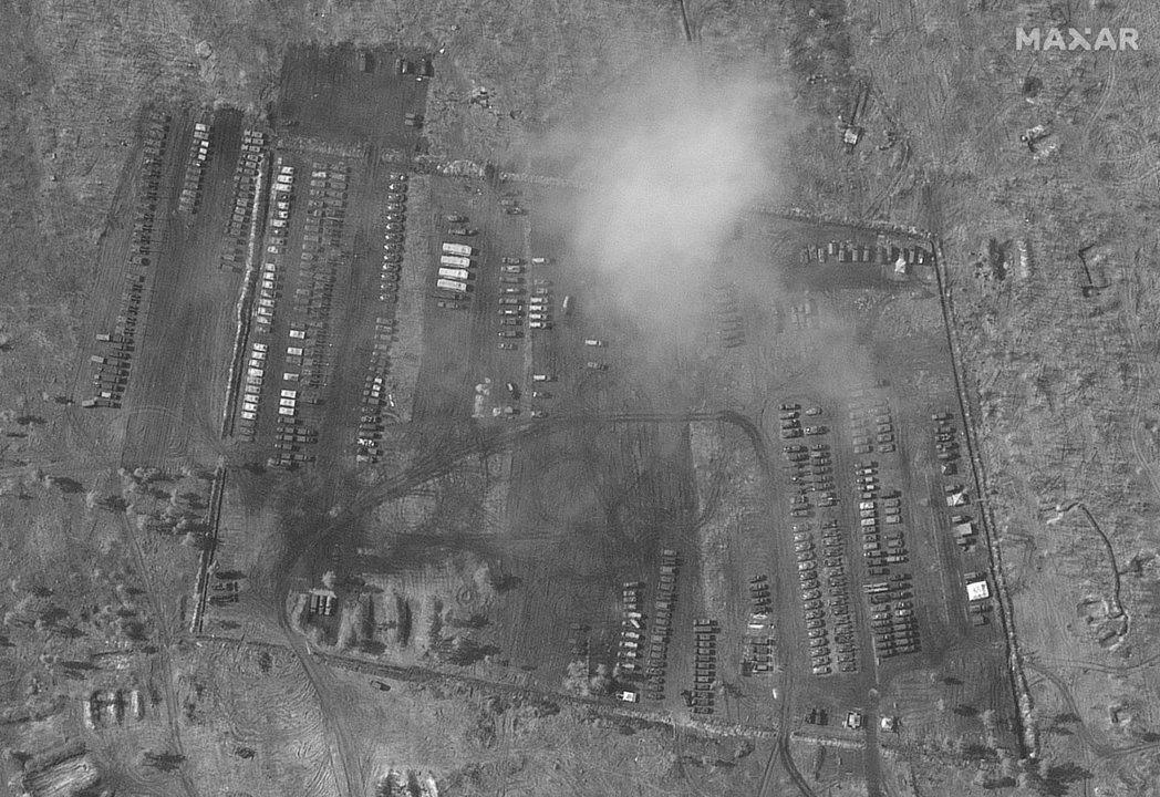 根據《紐約時報》所取得的衛星空拍照片,集中在前線的俄國大軍,目前多部屬在烏俄邊境...