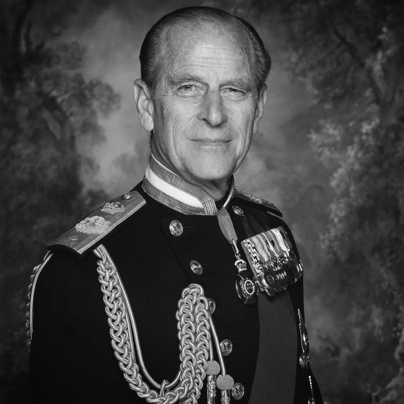 英國白金漢宮9日宣布,英國女王伊麗莎白二世夫婿菲立普親王逝世,享耆壽99歲。圖/取自推特