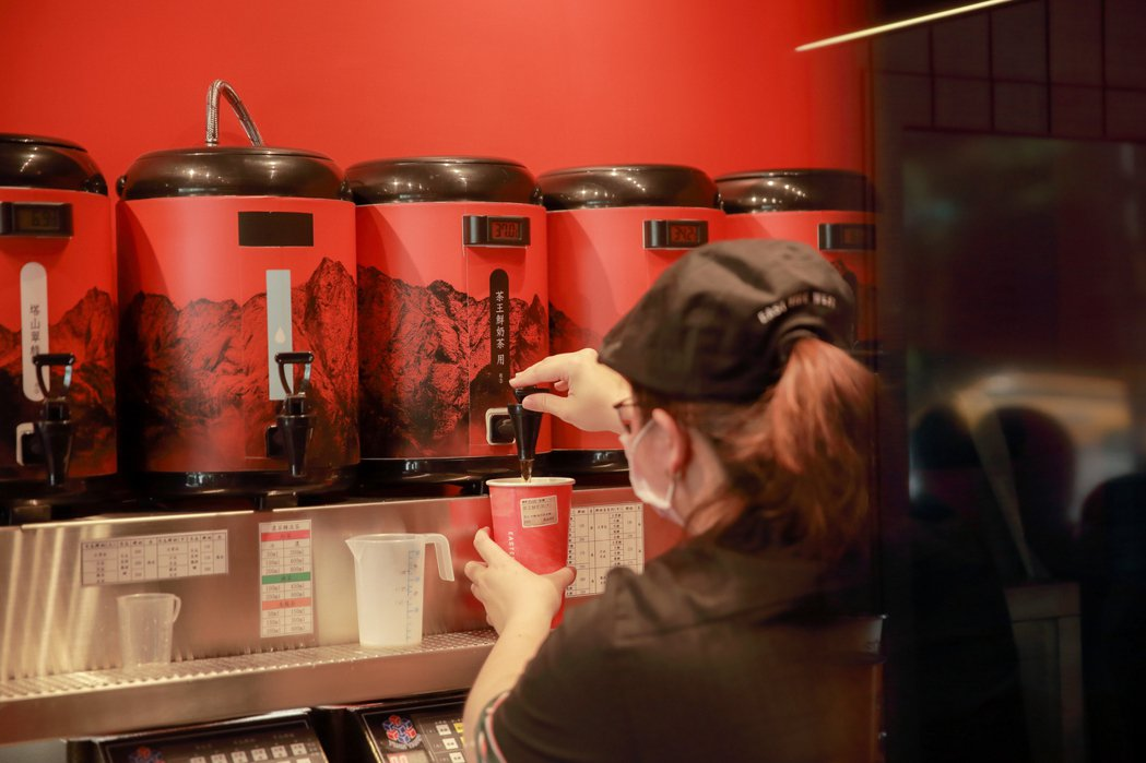 東方洋行企圖挑戰天仁茗茶成為台灣最具代表性的茶飲品牌。業者/提供