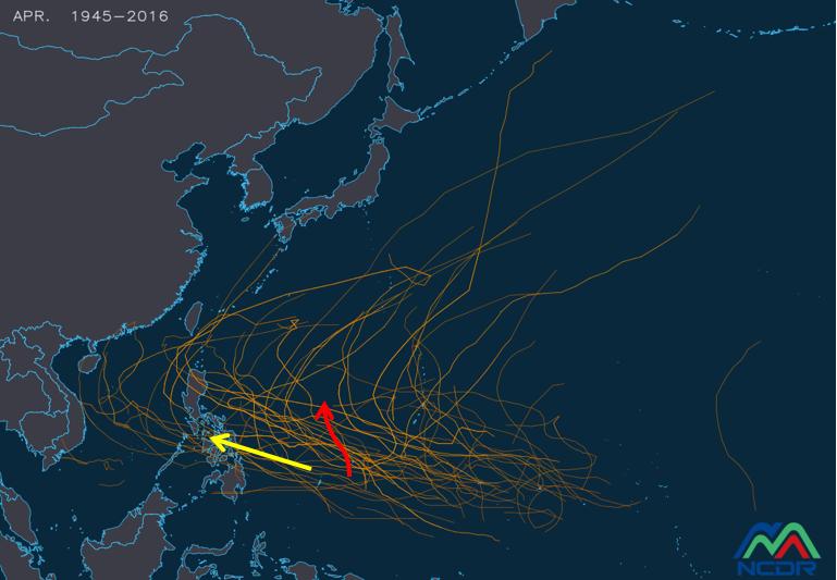 吳德榮以擷取自NCDR的圖指出,最新(8日20時)模式10天的模擬路徑顯示,美國(GFS)模擬在帛琉東側北上(紅線),歐洲(ECMWF)則是模擬抵達菲律賓中部(黃線)。圖/取自「三立準氣象.老大洩天機」
