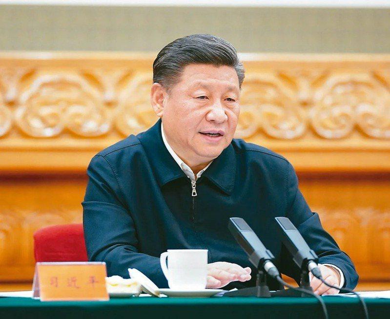 中國國家主席習近平夫婦今天向英國女王致唁電,對菲立普親王逝世表示哀悼,並慰問女王及王室家人。新華社