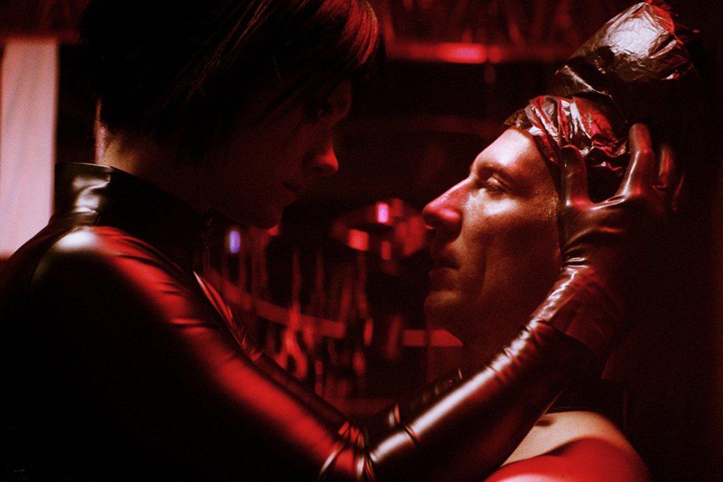 電影《窒愛診療室》拍攝過程中,男女主角之間形成某種美妙的節奏,成果極佳。佳映提供