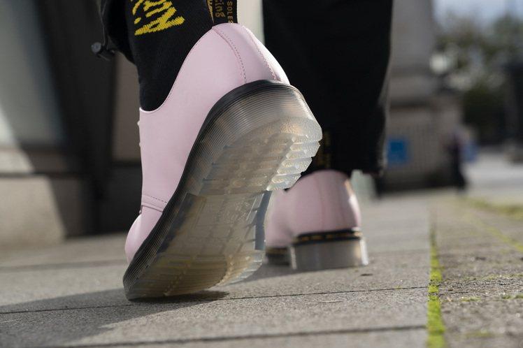 Dr. Martens 1461 Iced三孔馬汀鞋5,280元。圖/合順興提供