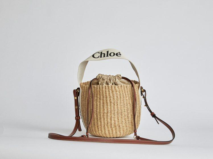 Chloé Woody世界公平貿易組織合作編織水桶包,19,500元。圖/Chl...