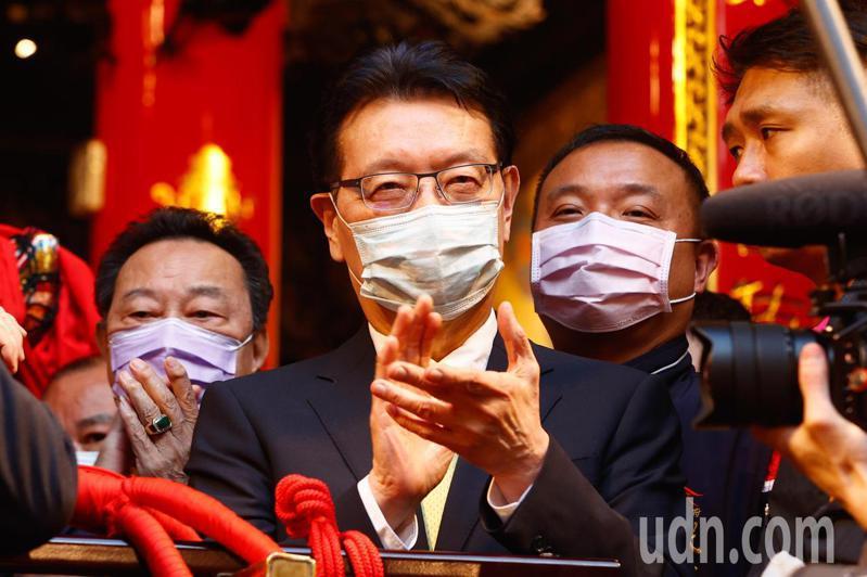 中廣董事長趙少康(中)表示,黨主席選舉道義上會支持韓國瑜。記者黃仲裕/攝影