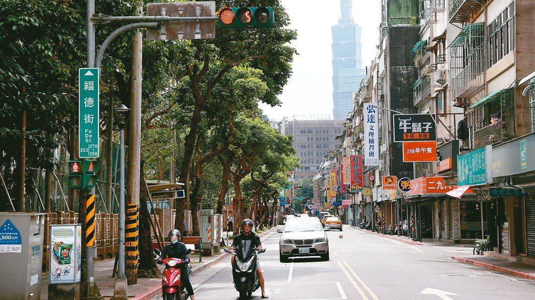 在「台北東區門戶」計畫帶動下,台北市南港區這幾年成為台北房市交易熱區。圖為南港國...