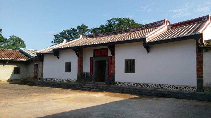 大溪林宅梅鶴山莊為兩落四護龍的傳統合院建築。圖/桃園市文化局提供