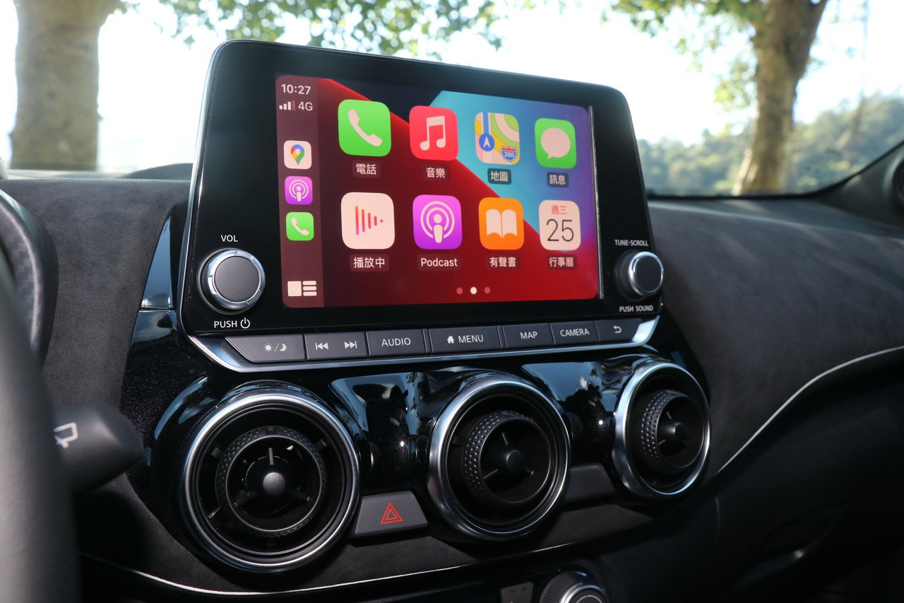 Apple CarPlay可以延續手機使用習慣,特色是容易上手。記者陳威任/攝影