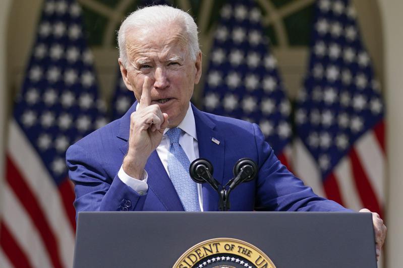 美國與伊朗間的僵局露出曙光,國務院高層透露總統拜登有意取消部分川普時期的無謂制裁。美聯社