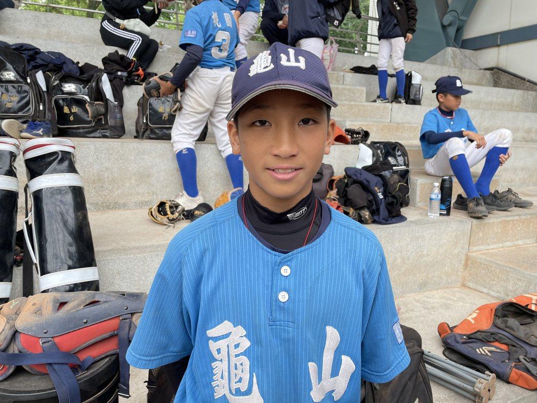 110年謝國城盃全國少棒錦標賽10日由桃園市隊與高雄市隊在青年公園棒球場交手,桃