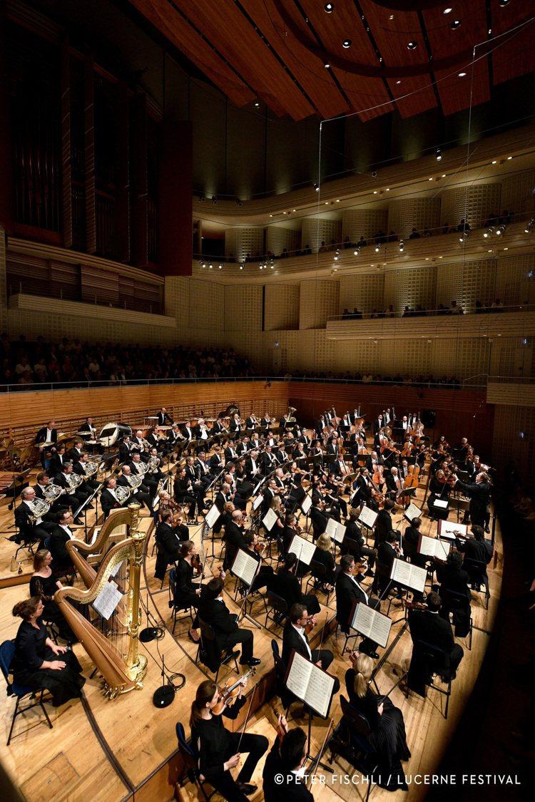 琉森每年多會於夏日、晚秋及復活節前舉行3次音樂盛會,吸引為數眾多的音樂愛好者參加...
