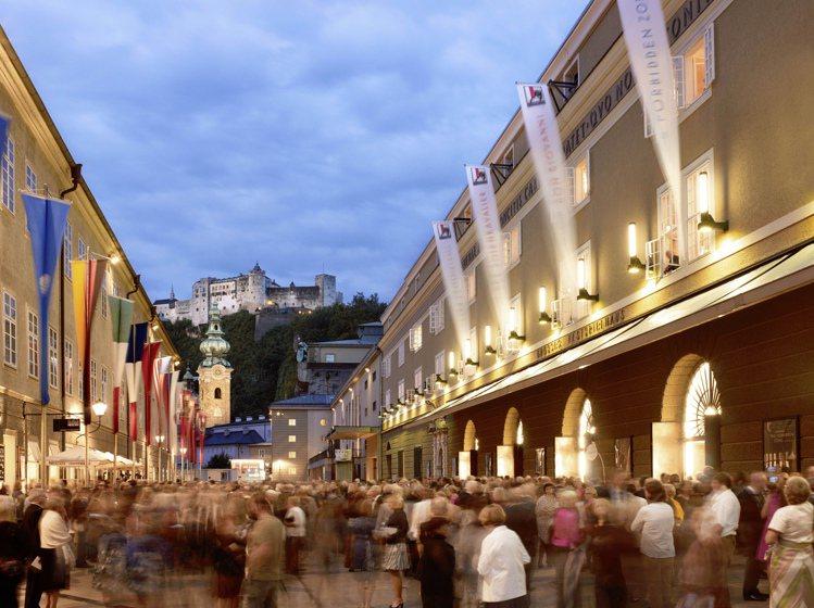 勞力士贊助的「奧地利薩爾斯堡藝術節(Salzburg Festival)」,是每...