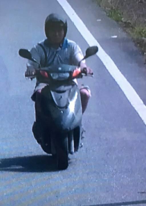 被列太魯閣號撞車事故被告的越南籍移工「阿好」,當天騎車逃離現場畫面曝光。記者王燕...