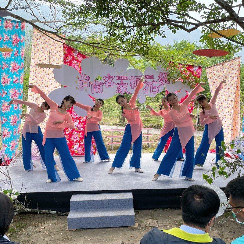台南市客家桐花祭今天在梅嶺登場。圖/客委會提供
