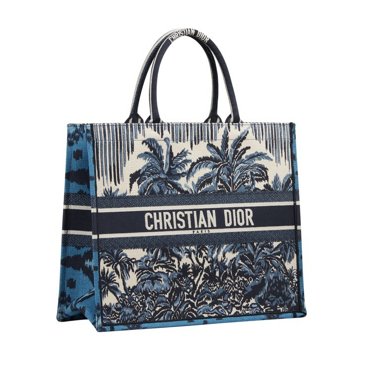 Book藍色棕梠樹刺繡托特包,11萬元。圖/DIOR提供