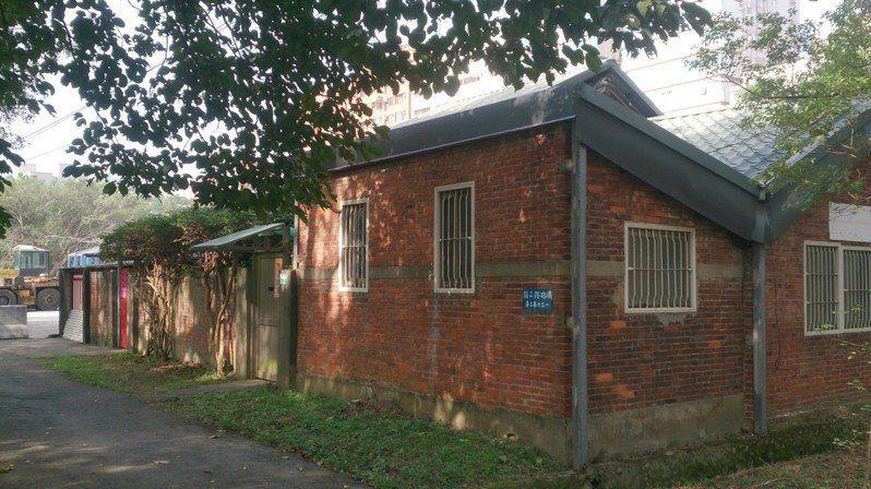 北科附工校內的桃園農工宿舍群部分為日式建築,師生認為有保存價值主動提報。圖/桃園市文化局提供