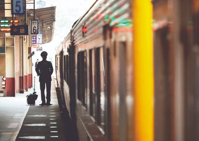 台鐵一再發生重大事故,營運效率與管理不彰,改革勢在必行。 記者葉信菉/攝影