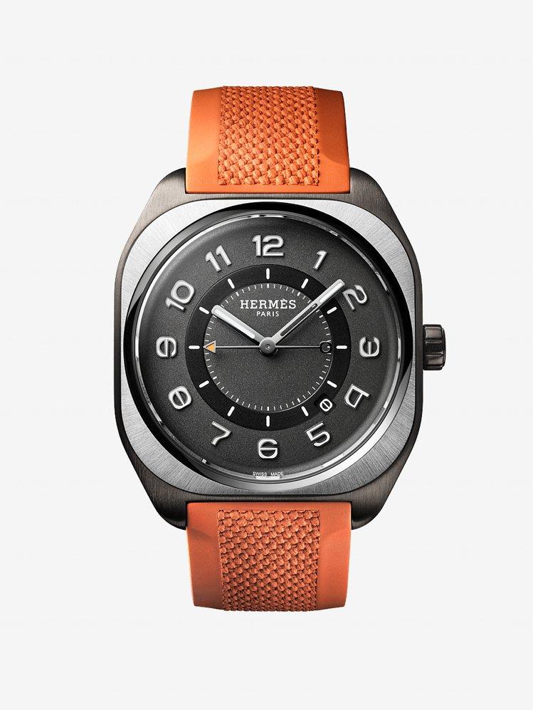 愛馬仕H08霧黑色DLC表殼鈦金屬表圈自動腕表配橡膠表帶,17萬6000元。圖/...